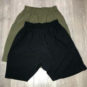 Bermuda Shorts Green/Black sz M Bundle